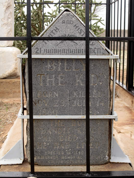 billy the kid grave stone. illy the kid dead body. illy